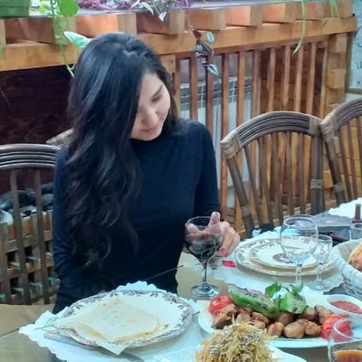 Азиза Султанова
