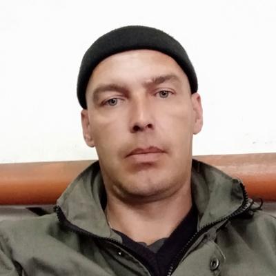 Роман Попов