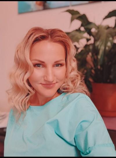 Аня Семёнова, Санкт-Петербург