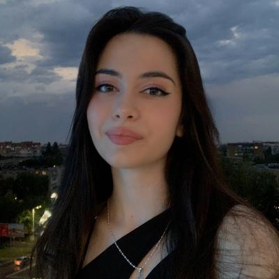 Лалина Капашарова