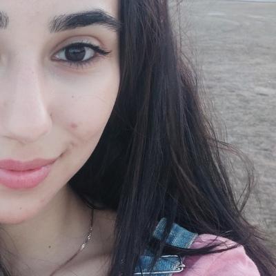 Shelale Alekberova, Баку