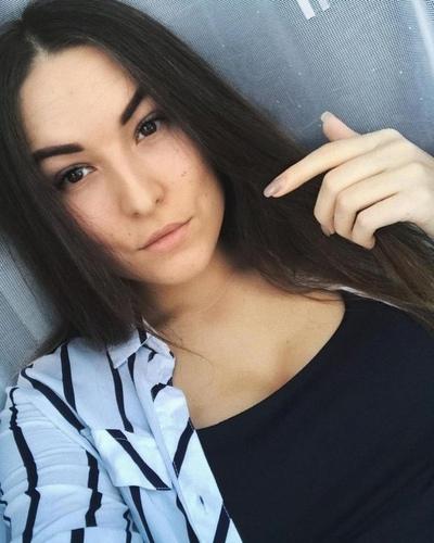Yesenia Tarasova, Moscow
