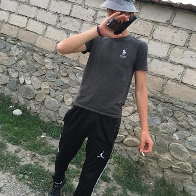 Амур Аслануков