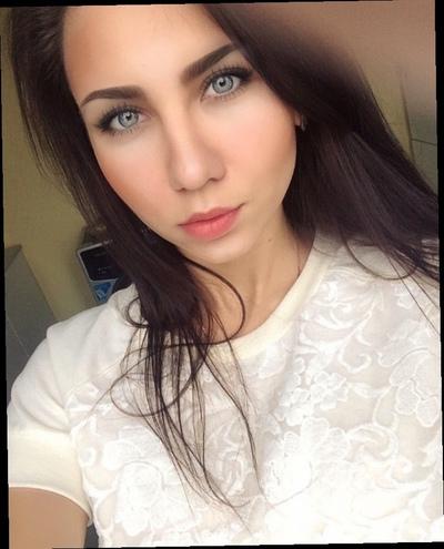 Марианна Попова, Москва