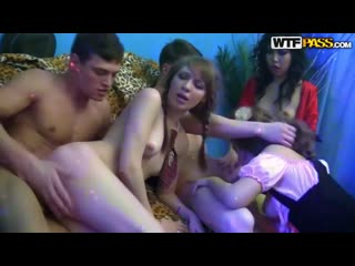 WTFPass - порно вечеринка студентов - student sex party - оргия, вписка - Yiki Nicoline, Marry Dream, Tonya Nats, Gillian